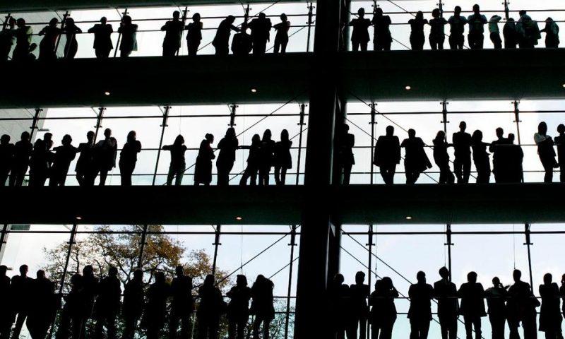 German Unemployment Drops Unexpectedly in October
