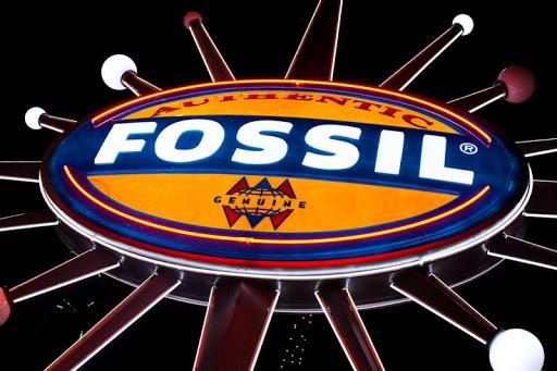 Fossil Group Inc. (FOSL) Soars 5.8%