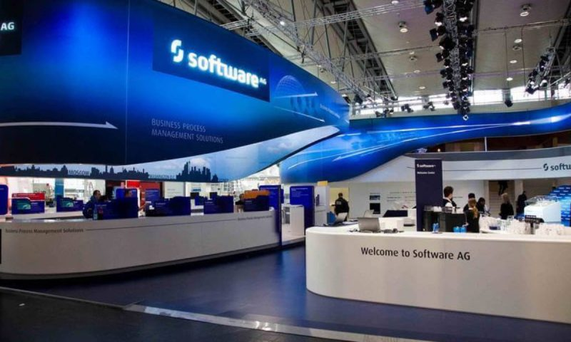 Software AG issues outlook as profit, sales fall
