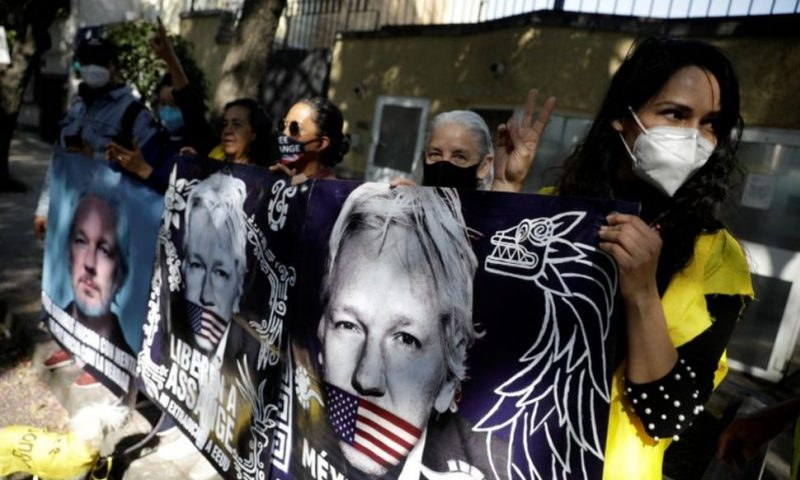 Mexican President Offers Assange Asylum After U.S. Extradition Bid Thwarted