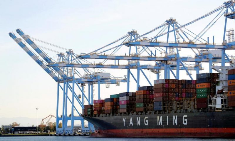 U.S. Trade Deficit Rises to 12-Year High $679 Billion