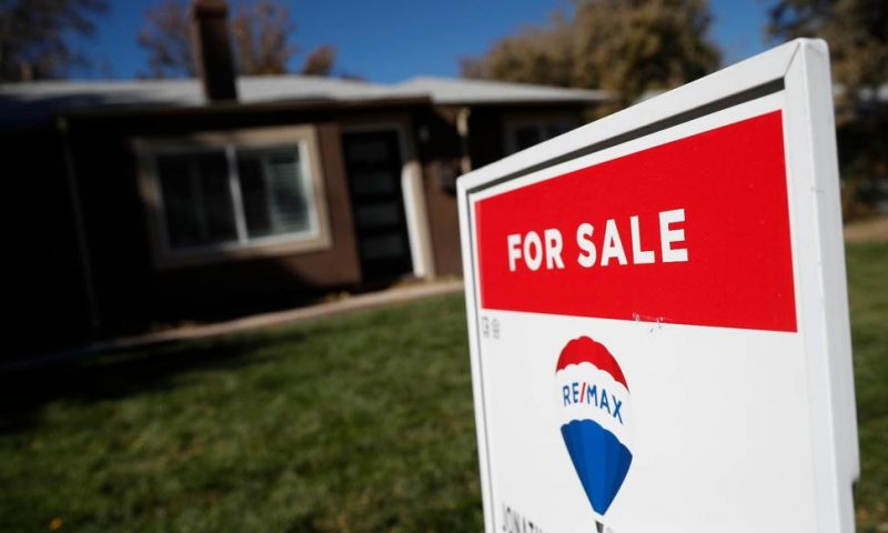 US Long-Term Mortgage Rates Flat; 30-Year Stays at 2.73%