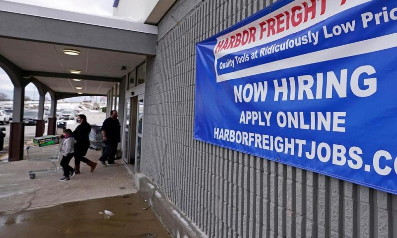 US Hiring Plunged in December Even as Job Openings Ticked Up