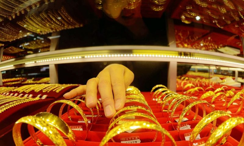Gold, silver prices settle higher to recoup some of their recent losses