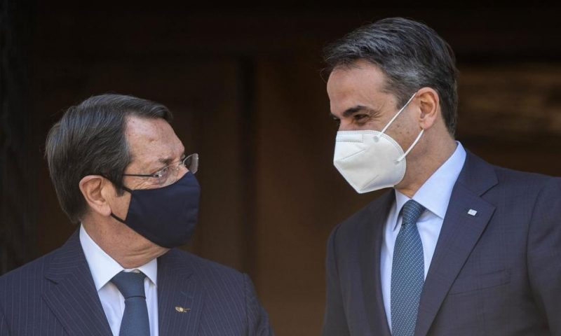 Cyprus President in Athens Before Geneva Talks