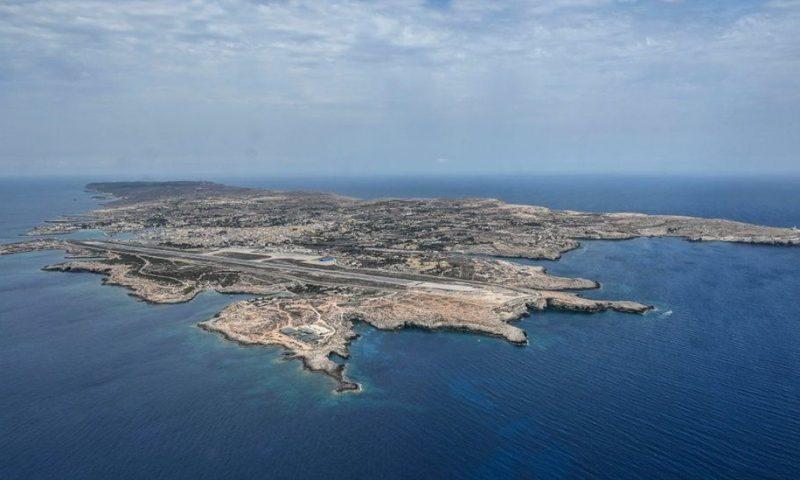 Lampedusa: More than 1,000 migrants arrive on Italian island