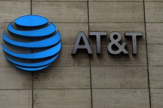 AT&T's new outlook sparks debate—but also two stock upgrades