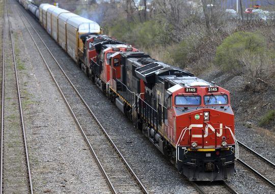 Major investor urges Canadian National to drop bid for U.S. railroad