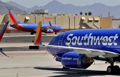 Longtime Southwest CEO Will Step Down Next Year