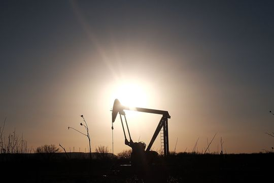 Oil prices post highest settlement in more than a week