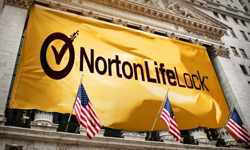 NortonLifeLock (NLOK) falls 0.82%